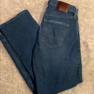 Hollister Straight men's destroyed size 28x30